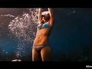 Sexy diver Jessica Alba