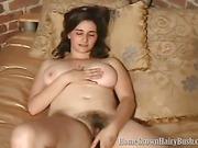 Natural amateur brunette has sex fun