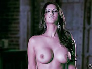 Magic beauty Sunny Leone shows off her big hooters